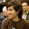 Aaron Swartz, hacker y confundador de Reddit, se suicida.