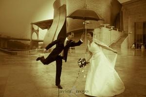 boda 300x199 Los riesgos de enamorarse por Internet